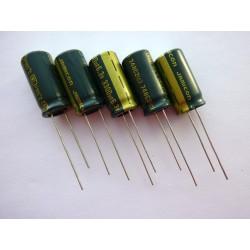 Електролитен кондензатор Jamicon 3300µF, 6.3V, 10x20мм, 5 броя